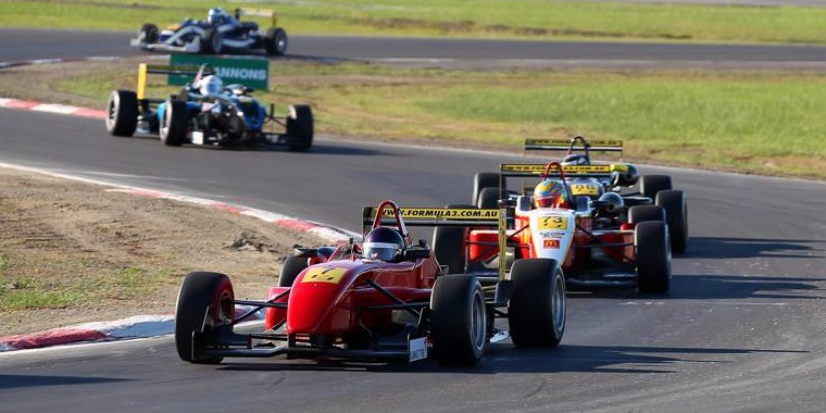 Kumar leads the pack at Winton Raceway